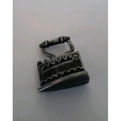Accessorio Ferro da stiro in ferro per presepe,...